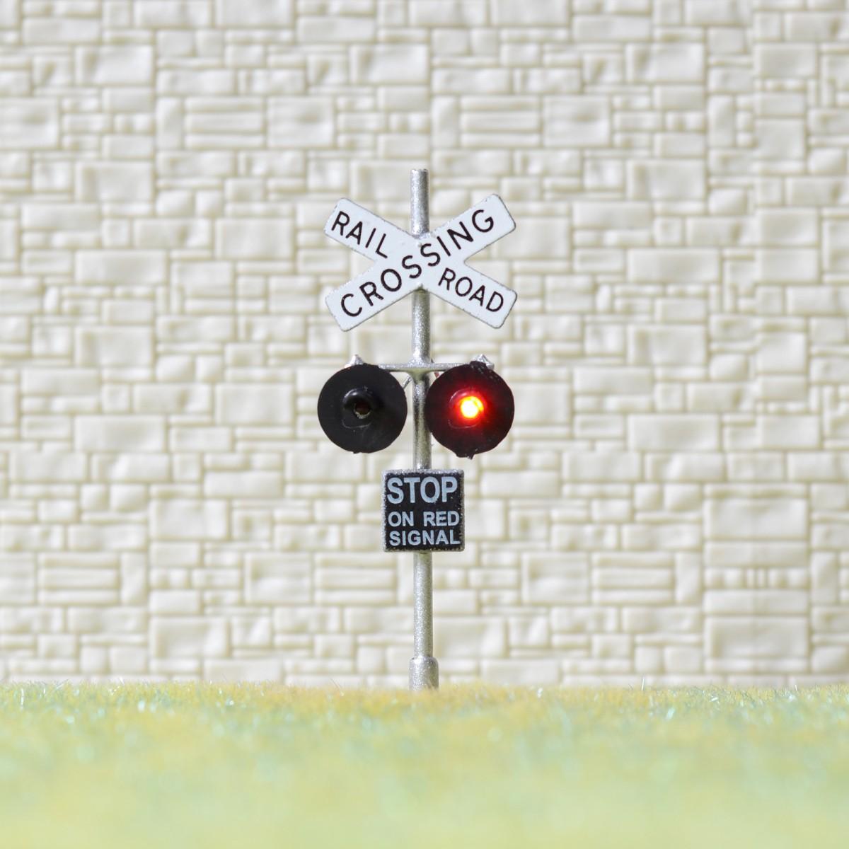 2 x HO Scale railroad grade crossing LED signals + 1 circuit
